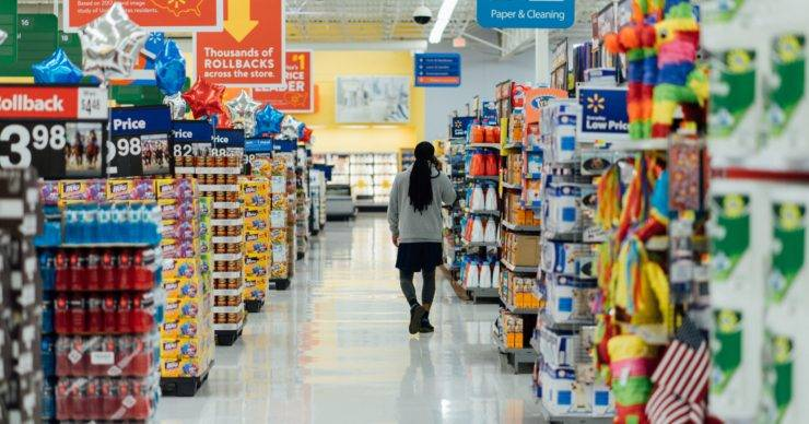 """Supermarket store workers seeking to """"Pocket the Difference"""" in equal pay claim"""